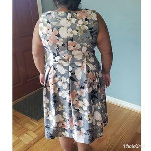 Lane Bryant Dresses - *SALE* Lane Bryant size 18 grey pink floral dress